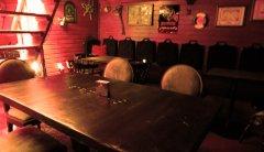 Pöydällä on oma tarinansa, kysy lisää henkilökunnalta.